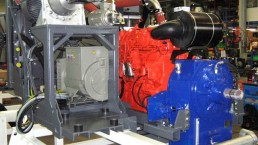 Hydraulikaggregat und Stromerzeuger in einem Modul